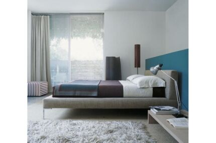 B&B Italia 'Charles' Queen bed base with matching latex matress