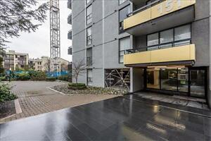 Keith Rd and Lonsdale Ave: 151 East Keith Road, 1BR North Shore Greater Vancouver Area image 3