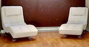 Leather Lounge chairs white, chaises longues en cuir blanches