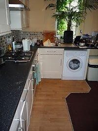Double room in smart detached house in Windmill Hill. All bills inc.