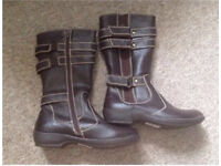 Ladies flat brown boots size 4