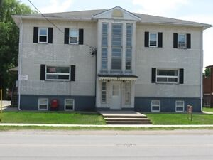 WELLAND, TWO BEDROOM APARTMENT AVAILABLE NOW
