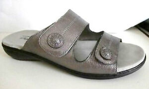 "Trotters by Clarks- Sz 9- ""Kassie"" Pewter Leather Slide Sandal"