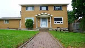 Spacious 3 Bed Home in Nice Neighbourhood. Walk to All Amenities