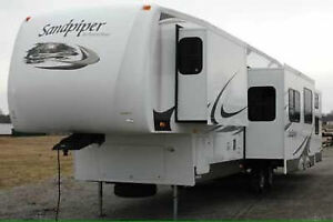 PRICE REDUCED- 5th Wheel Camper RV - 2008 Forest River Sandpiper