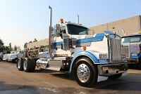 ALBERTA OILFIELD SPEC 2011 Kenworth W900L #4382
