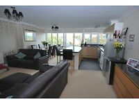 GREAT VALUE 3 BEDROOM SPLIT LEVEL FLAT IN BROMLEY WITH 2 BALCONIES AND A GREAT KITCHEN/LIVING ROOM