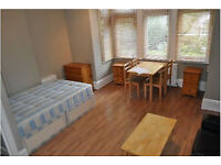 Great Spacious Self Contained Double Studio in W4