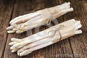 WANTED: WHITE ASPARAGUS crowns to plant in my garden