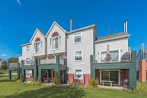Condo in Magog for rent short term!!!  5 minute walk to beach!!