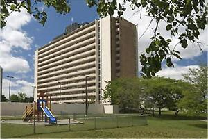 Erin Mills and Fowler: 1970 - 1980 Fowler Drive , 1BR