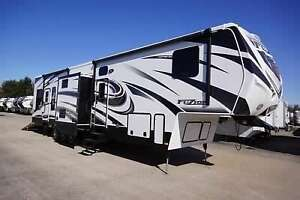 2014 Keystone Fuzion 390 triple axel TOY HAULER