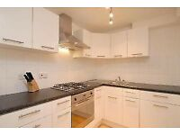 ***Superb 2 bedroom flat with roof terrace in Stockwell £390pw!!**
