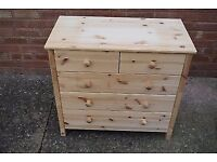 Kids small chest of drawers - solid pine - very good condition - 1 year old
