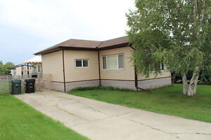 PRICE REDUCED - Mobile Home in Sherwood Park