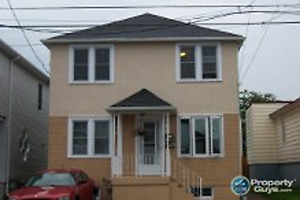 2 Bedroom upstairs apartment - 180 Elm St No