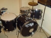 *ON SALE* Black Mamba 5pc drum set with accessories