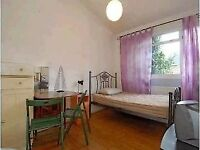 Spacious double room - Fulham-Excellent Location-Short Let