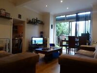 2 Bedroom 2 Bathroom Ground Floor Flat with Garden short walk to Raynes Park Station!!