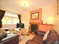 AVAILABLE NOW..... 3 bed flat Peckham Rye