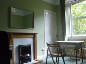 South facing one bedroom 1st floor flat in Buccleuch Terrace