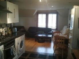 2 bed with Roof Terrace- Clapham Common