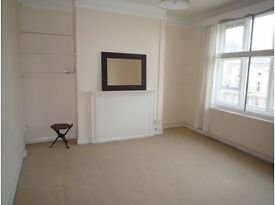 AVAILABLE 2 Bed DOUBLE GOOD SIZE Flat in The Avenue, Worcester Park, KT4!!!