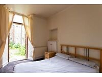 Fully furnished 1 bedroom flat near The Shore to rent