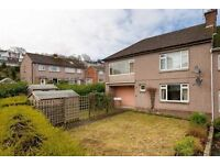 Two bedroom lower villa in Blackford To Let