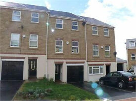 4 Bed Modern Town House *Available NOW*