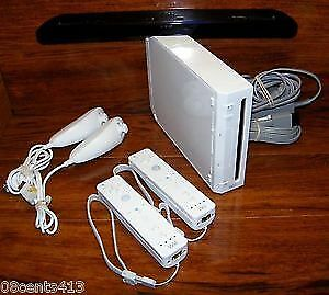 WHITE WII WITH 13 GAMES IMMACULATE CONDITION LIKE NEW