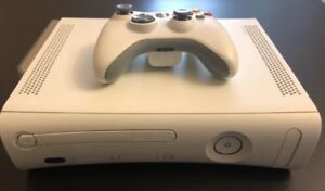 LOOK BRAND NEW XBOX 360 WITH WIRELESS CONTROLLER 3 GAMES,AV CABL