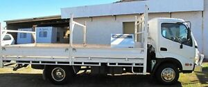 2009 Hino 300  White Trayback Bellevue Swan Area Preview