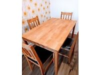 For Sale Solid Oak Kitchen/Dining Table & 4 Oak Chairs