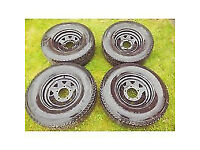 Land Rover Defender Steel Wheels & Tyres Set 275 70 R16