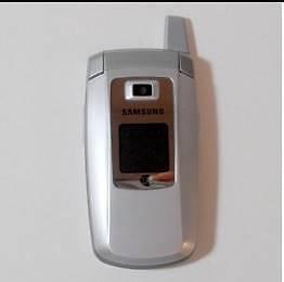 SAMSUNG FLIP PHONE (UNLOCKED) Wentworthville Parramatta Area Preview