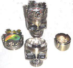 3-PART-40mm-METAL-KING-SKULL-TABOCCO-HERB-WEED-GRASS-GRINDER-WITH-POLLINATOR