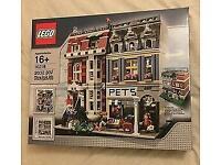 Lego pet shop 10218 retired set bnib