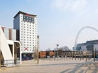 Wembley Hotel Weekend in London shopping and Joshua and Klitschko 28th-30th walking distance