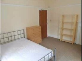 Very big and bright double room in GREAT location, only £85pw all bills included. Nice CLEAN house.
