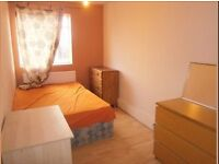 Sunny double room for rent close to London Bridge