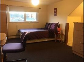 A lovely spacious double room close to Brixton
