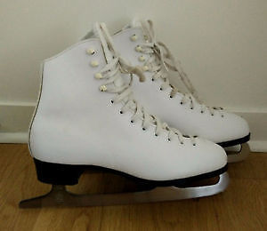 Women's Bauer Figure skates - size 10 - priced to sell