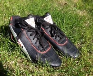 Soccer cleats - size 4