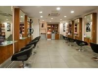 **RETAIL UNIT TO LET/RENT on HIGH STREET - suitable for cafe, beauty, hairdressers, restaurant