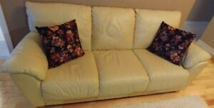 $250 (OBO):  Italian Made Leather Couch & Loveseat