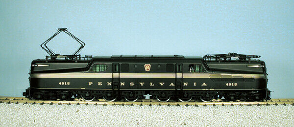 USA Trains R20030 G Pennsylvania GG1 Electric Loco Green with 5 Gold Stripes