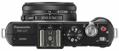 Panasonic Lumix DMC LX7 - Lente Leica f:1,4 ideale per street photo e low
