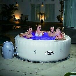 Brand New Boxed Lay-Z-Spa Jacuzzi, (Paris)