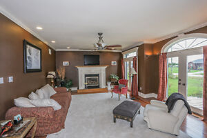 Executive Home w/Triple Garage on 1.07 acres in Dorchester London Ontario image 3
